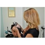 manutenção de perucas entrelaçadas na Luz